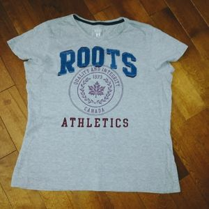 🌸3/$30🌸 Roots t shirt grey size large